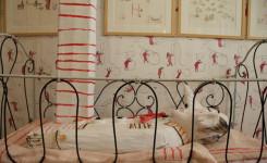 Bed met letter L